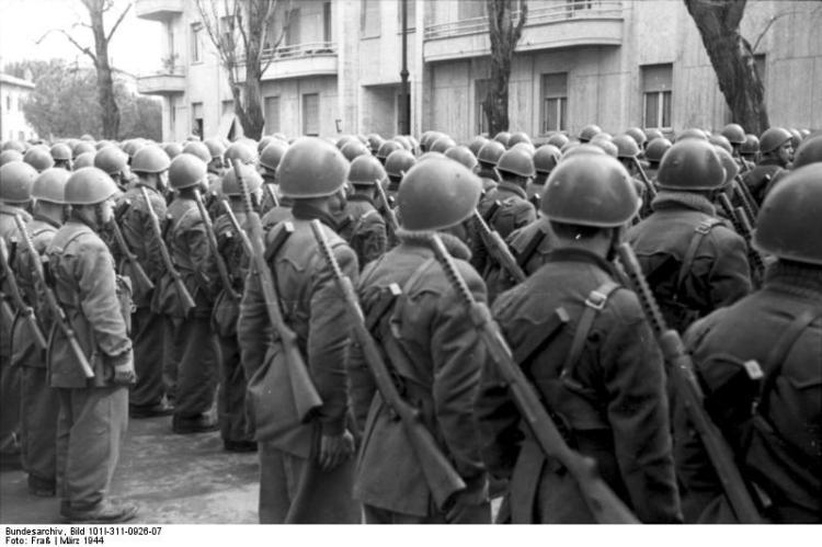 20130628160635!Bundesarchiv_Bild_101I-311-0926-07,_Italien,_italienische_Soldaten.jpg